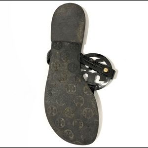 LEFT SHOE ONLY Tory Burch Sandal.